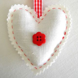 Fiona White Linen heart red button