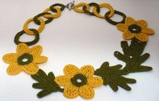 Em crochet flower necklace