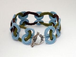 Em crochet bracelt